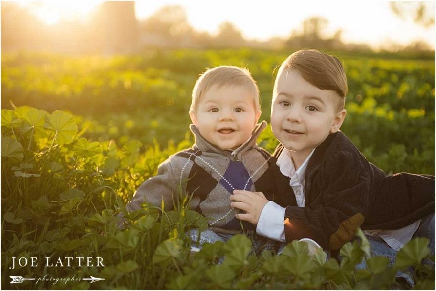 Beutiful family portraits taken in Huntington Beach by Long Beach wedding and portrait photographer, Joe Latter